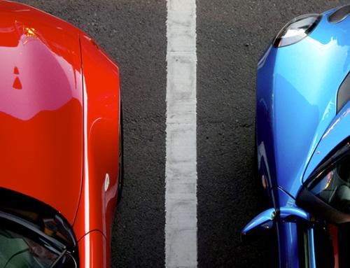 Cassazione: parcheggiare troppo vicino ad un'altra auto può essere reato
