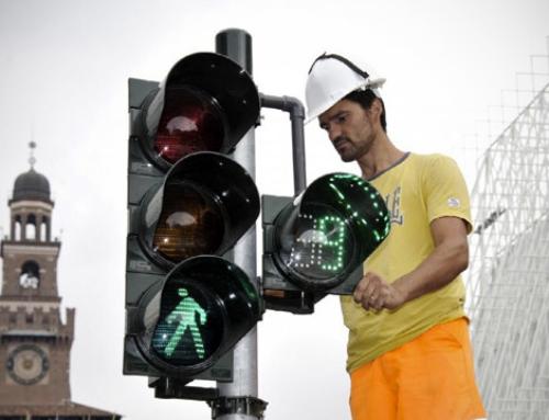 """Tempi certi ai semafori, obbligatorio il """"conto alla rovescia"""""""