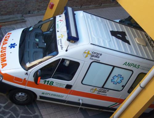 Un'auto li investe a Falconara, Enrico Orlandini si sacrifica e salva sua moglie