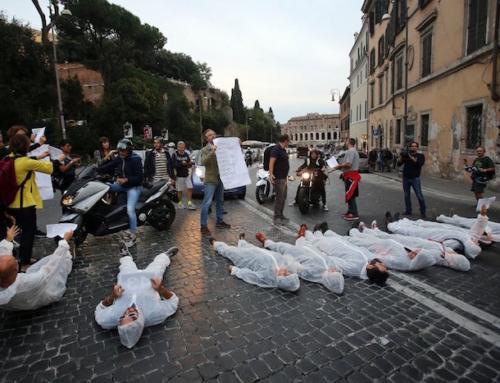#bastamortinstrada, flashmob di denuncia a Roma per i pedoni uccisi