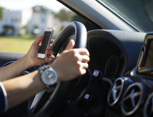 Nuovo Codice della Strada, sanzioni inasprite per la guida col cellulare