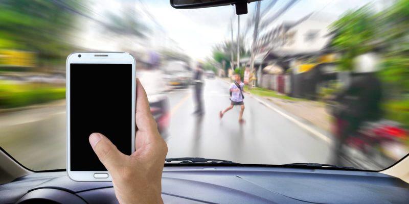 Omicidio stradale, il Ministero della Giustizia al lavoro per introdurre l'aggravante del cellulare alla guida